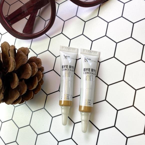 it cosmetics Other - IT Cosmetics 2 Concealer, Medium.